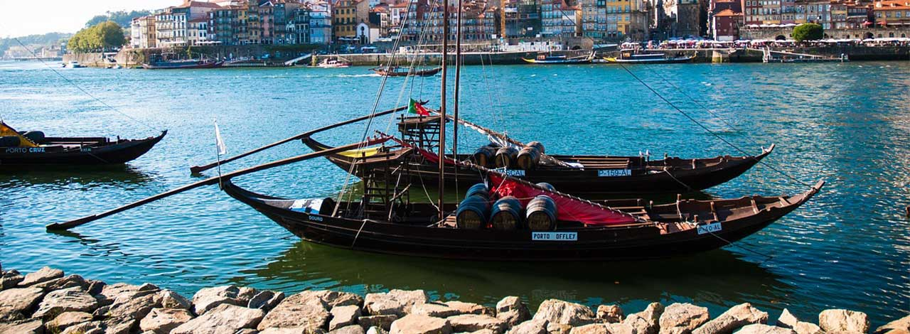 Charm of Porto - port boats