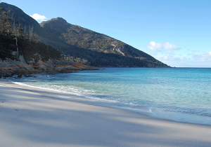Beach-Wineglass-Bay-Tasmania
