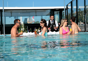 Swim-up-bar--river-cruise-fun-amawaterways