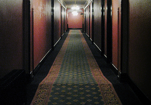 Haunted-hotels-hallway