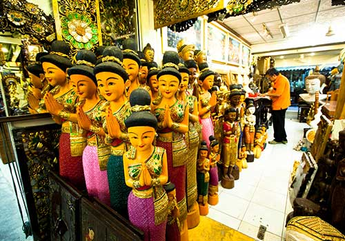 World-famous markets-Chatuchak-souvenirs