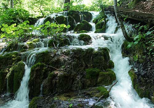 Plitvice-Lakes-cascade