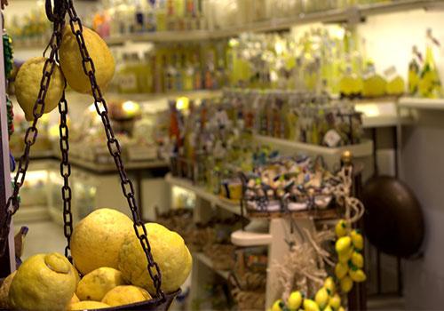 Amalfi-Coast-lemons