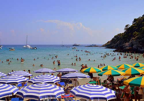 Puglia-Private-beach-umbrellas