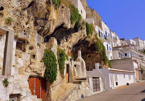 Puglia-cave-house