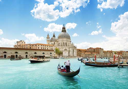 Romantic-Venice-Gondola-Grand-Canal