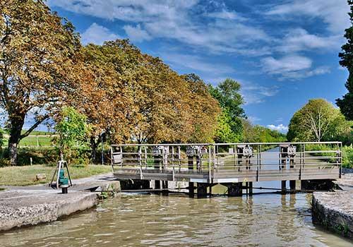Luxury Barge Cruising - Locks on Canal du Midi