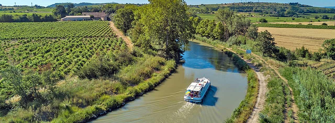 Luxury barge Cruising- Cruise alongside vineyards